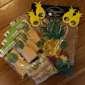 NWT Pineapple  garden flag and party bundle